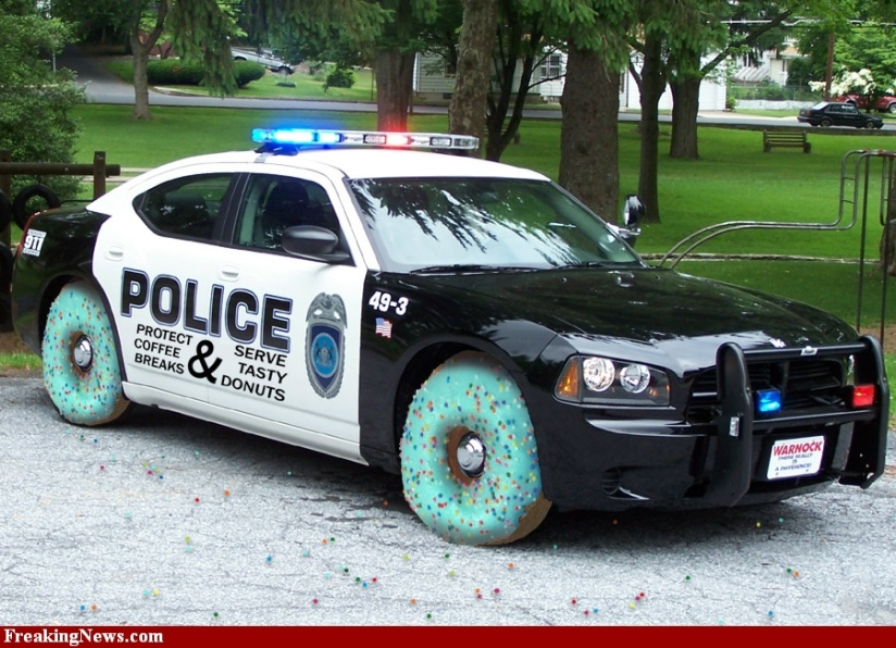 Police-Car-with-Donut-Wheels-57950